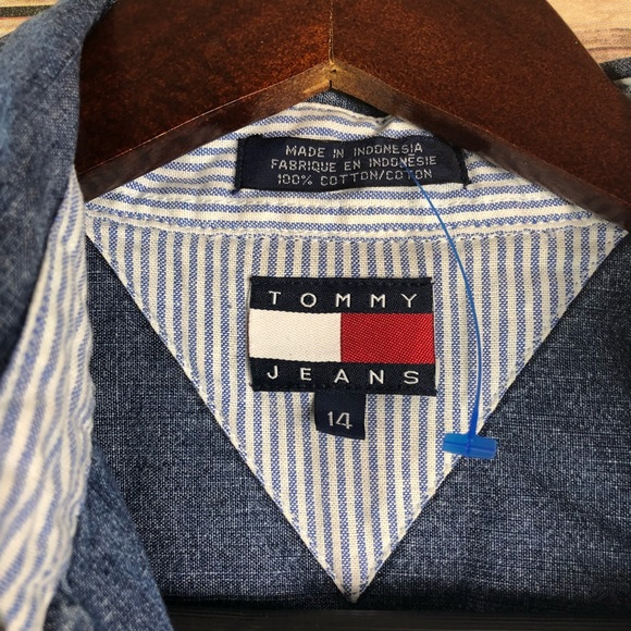 608ed28f65 Tommy Hilfiger misses denim sleeveless shirt